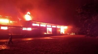 Incendio de gran magnitud deja millonarias pérdidas en Cooperativa Colonias Unidas