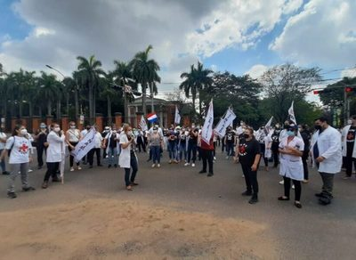 Médicos culminaron huelga sin acuerdo con Gobierno