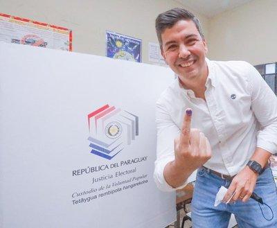 Santiago Peña alienta a seguir con Concordia Colorada