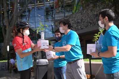 """Campaña de concienciación medioambiental """"#Somos H2O"""" cerró con delivery de arbolitos y música"""