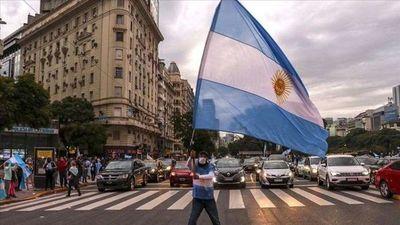 Polémica en gobierno de Argentina por críticas a caricaturista