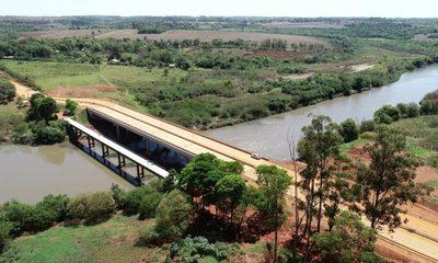 Concluyen obras complementarias del puente sobre río Monday