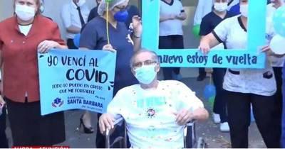 La Nación / Don Hugo luchó 104 días contra el COVID-19 y ganó, fue el último paciente dado de alta