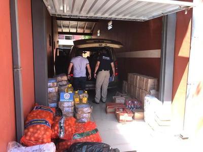 Requisan furgoneta repleta de mercadería de contrabando y detienen al conductor