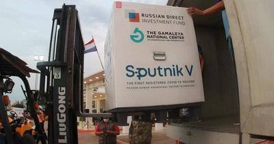 El millón de dosis de Sputnik V adquiridas por el Gobierno se completaría con nuevo arribo