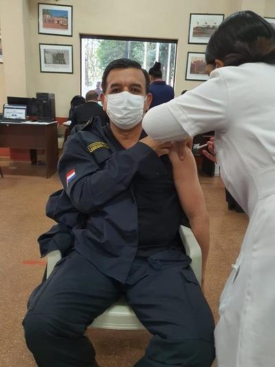 En Central y CDE se inicia vacunación anticovid con biológico taiwanés