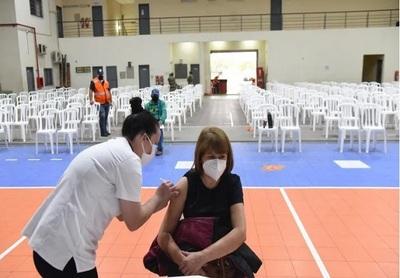 """""""Tenemos vacunas y la gente no se está acercando"""", dice Borba"""