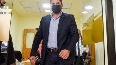 Diputados quedan sin cuórum para interpelar a director de Aduanas