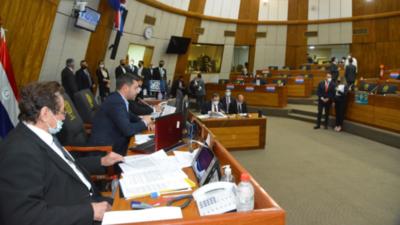 Diputados evitan interpelar al titular de Aduanas