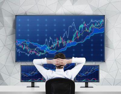 Acciones repuntan en Estados Unidos y Fed retiraría estímulos desde noviembre