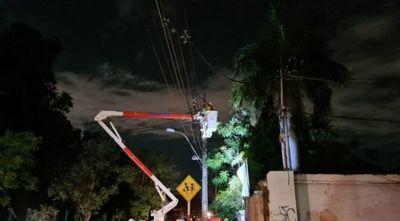 Más de 50 líneas de media tensión quedaron fuera de servicio por el temporal en Asunción