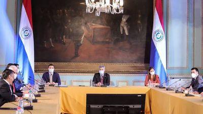 Abdo pide recuperar la economía y avanzar en obras emblemáticas