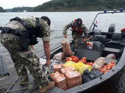 Decomisan mercaderías de contrabando en el río Paraná