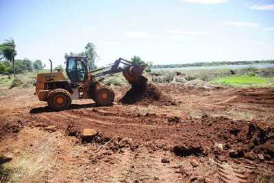 Gobernación inicia tareas en futura playa municipal de Hernandarias
