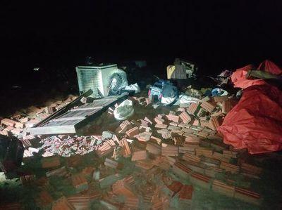Daños materiales por temporal en Ayolas