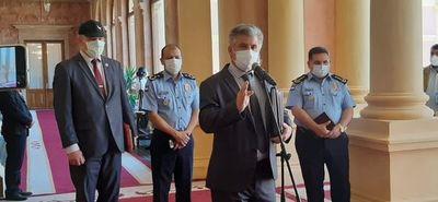 Senado convoca a Giuzzio y al comandante de la Policía