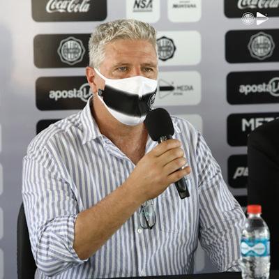 Álvaro Gutiérrez dejó la dirección técnica del Olimpia