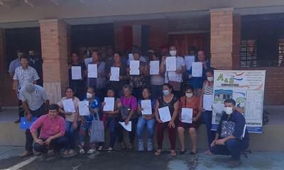 Coronel Oviedo: Comité de mujeres recibe subsidio habitacional del MUVH