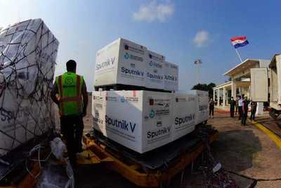 Paraguay recibe 308.000 dosis del segundo componente y completa compra de Sputnik V