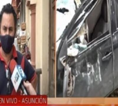 Habla el propietario del vehículo destrozado por parte de un edificio