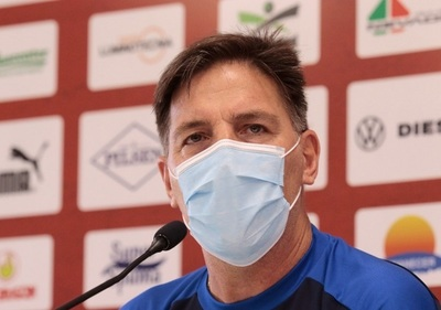 Berizzo no da la cara en conferencia de prensa tras humillante derrota
