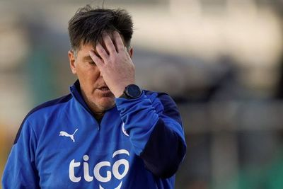 Eduardo Berizzo no dio la cara tras la goleada que sufrió Paraguay