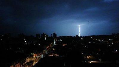 Meteorología anuncia vientos de 100 km/h en la Región Oriental y el Chaco