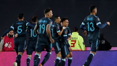 Argentina vence por la mínima a Perú