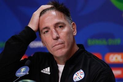 Eduardo Berizzo ya no es DT de la Albirroja