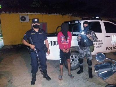 """Policía completa detención de """"macheteros"""" que asaltaron despensa en MRA"""