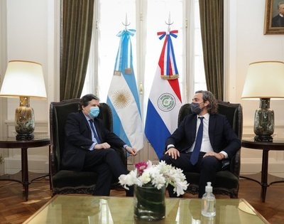 Cancilleres de Paraguay y Argentina acuerdan reabrir tres puntos fronterizos