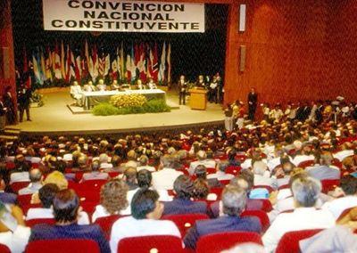 La oposición pediría una constituyente para incorporar el balotaje