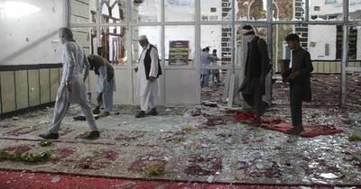 La Nación / Al menos 32 muertos por explosiones en una mezquita chiita en Afganistán