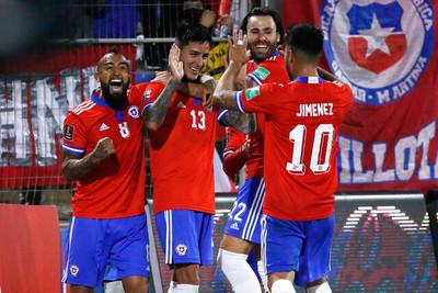 Pulgar y Brereton le dan una victoria clave a Chile