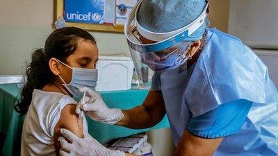 Salud habilitará registro para vacunación a niños de 6 años en adelante