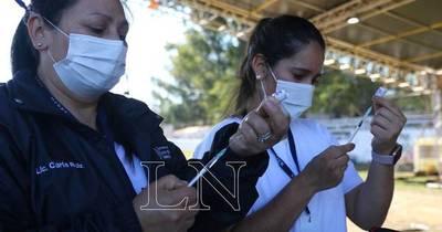 La Nación / Por inclemencia del tiempo, hoy algunos vacunatorios iniciarán con demora sus actividades