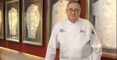 """Cocinero mete el dedo en la llaga y desata la polémica: """"La comida paraguaya está en decadencia. Tiene mucha grasa"""", he'i"""