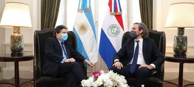 Cancilleres de Paraguay y Argentina sellan reapertura de las fronteras