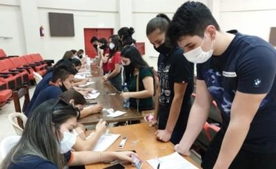Adolescentes ya podrán inscribirse para recibir la vacuna anticovid