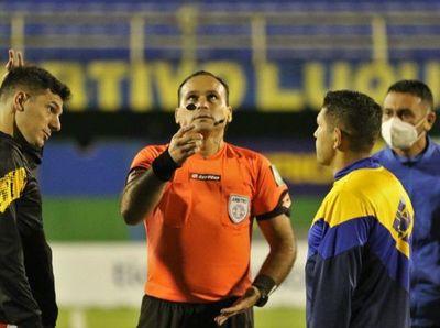 Juliadoza, el árbitro del 12 de Octubre-Guaraní