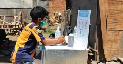 """La Nación / En el """"Día Mundial del lavado de manos"""" donan 135 lavamanos en asentamientos humildes"""
