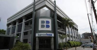 La Nación / Horacio Cartes distingue al Banco Basa por su 29° aniversario