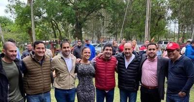 La Nación / Presidenciales: Velázquez pacta con el colorado izquierdista Cachito Salomón