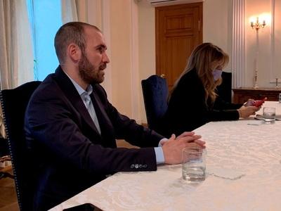 Ministros argentinos, con inversores en Nueva York sobre rumbo político y el FMI