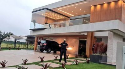 Allanan lujosas viviendas en PJC pertenecientes a presunto narco