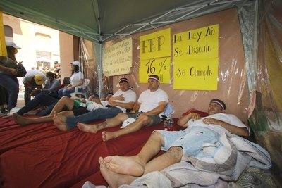 Crónica / Opa vare'a, pero sigue la huelga de docentes