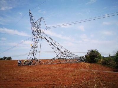 El sistema de transmisión de ANDE está con baja confiabilidad tras caída de dos torres de la línea de 500 kV