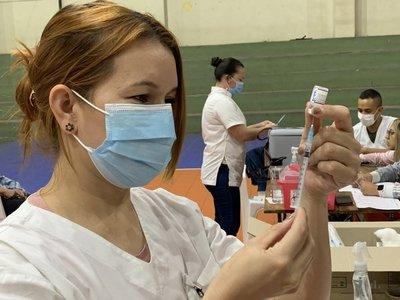 Aplicación de primera dosis de vacunas anti-COVID continúa desde el lunes 18 de octubre