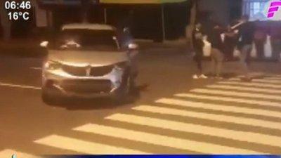 Semáforo sin funcionar causa accidente en Mariano