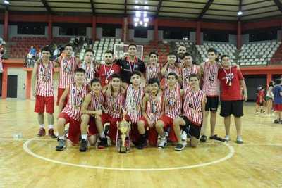 Basquet: U13 no se quedó atrás y también se coronó campeón!!